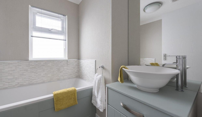 Omar-Colorado-Bathroom